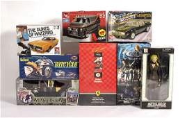 1565 TV  Film Related Character Figures and Vehicles