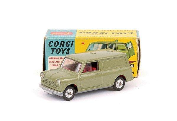 2011: Corgi No.450 Austin Mini Van