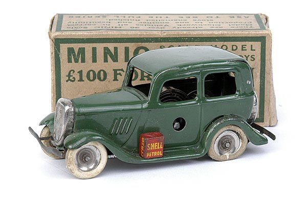 Minic - 1M Ford Saloon - medium green