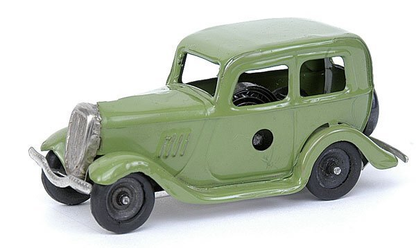 506: Minic - 1M Ford Saloon - green - later issue