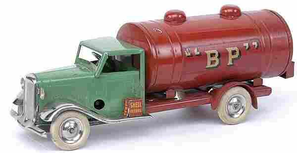 Minic - 15M Petrol Tanker - green cab + red tank
