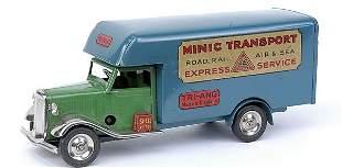 Minic - 24M - Luton Van - light green cab