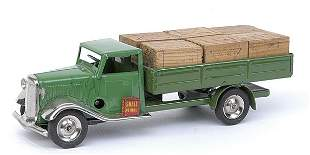 Minic - 25M - Lorry with cases - ligh green