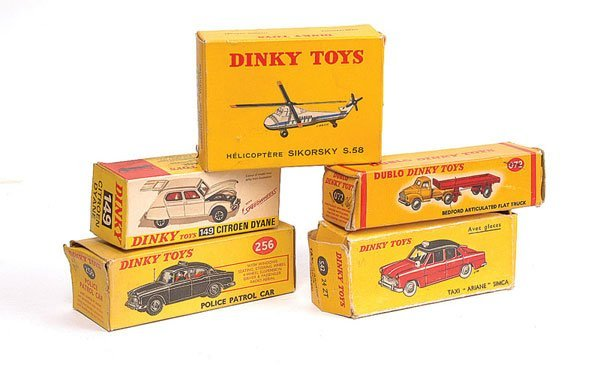 3121: Dinky - A Group of 5 x Empty Boxes