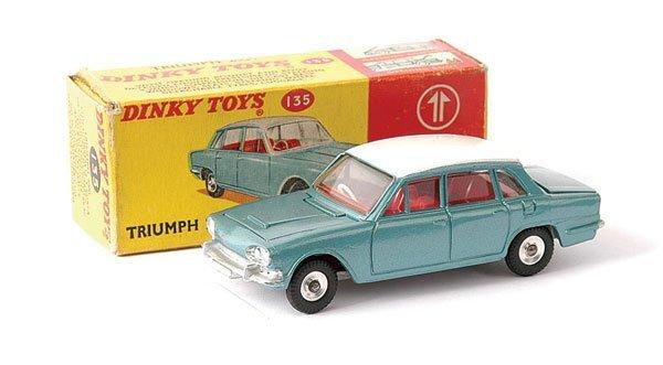 2008: Dinky No.135 Triumph 2000 Saloon