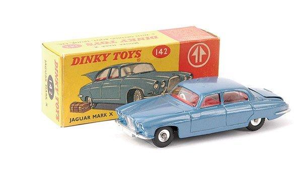 2011: Dinky No.142 Jaguar Mk.X