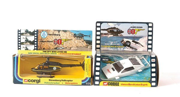 "3007: Corgi ""James Bond"" No.926 ""Stromberg"" Helicopter"