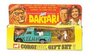 """Corgi No.GS7 """"Daktari"""" Gift Set"""
