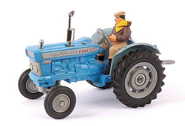 4154: Corgi No.67 Ford 5000 Super Major Tractor