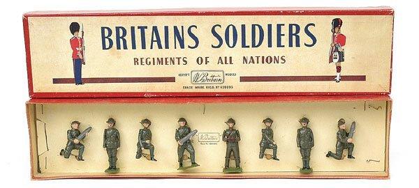 1115: Britains-Se 1730-R.A.- Gun Detachment [Post War]