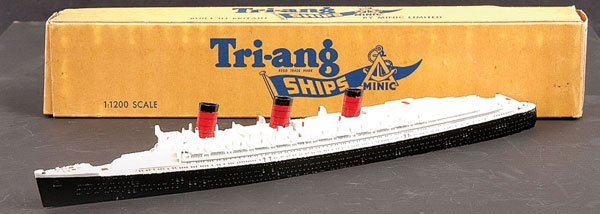 1001: Triang Minic Ships M703 RMS Queen Mary