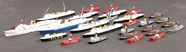 1010: Triang Minic Ships Unboxed Smaller Vessels