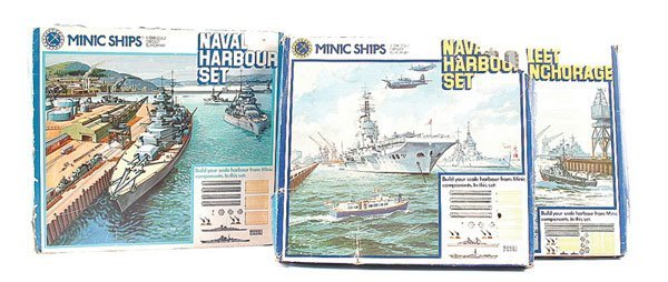 1014: Triang Minic Ships M903 Naval Harbour Set