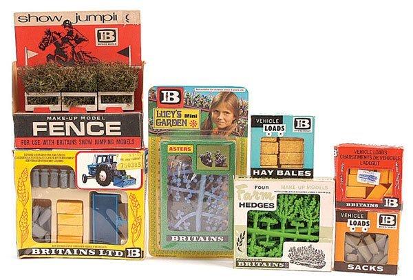 2005: Britains - A Quantity of Farm Accessories