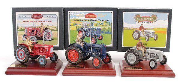 2008: Britains No.08716 David Brown Tractor & Others