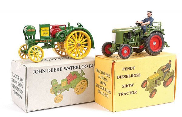 2022: 2 x Promotional Spalding Tractor Show Models
