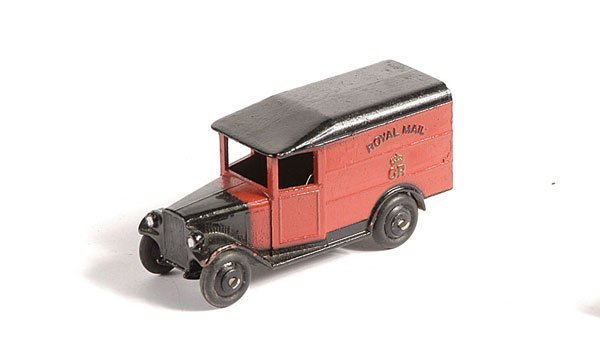 18: Dinky No.34b Royal Mail Van