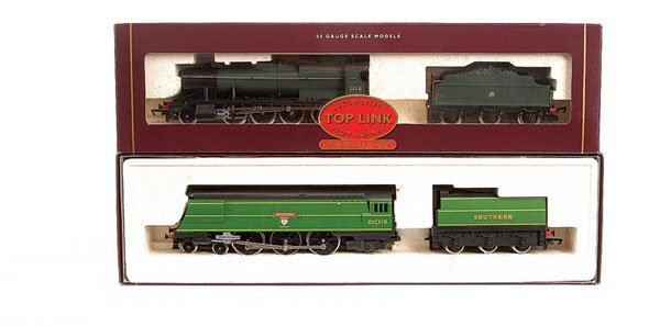 4012: Hornby - 2 x Pre-Nationalisation Steam Locos