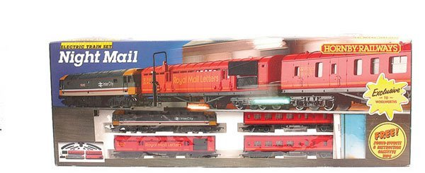 4055: Hornby R591 Night Mail Diesel Train Set