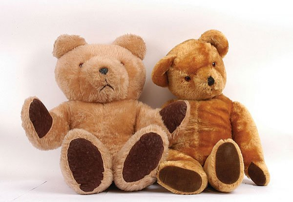 1024: Pedigree Golden Mohair Teddy Bear