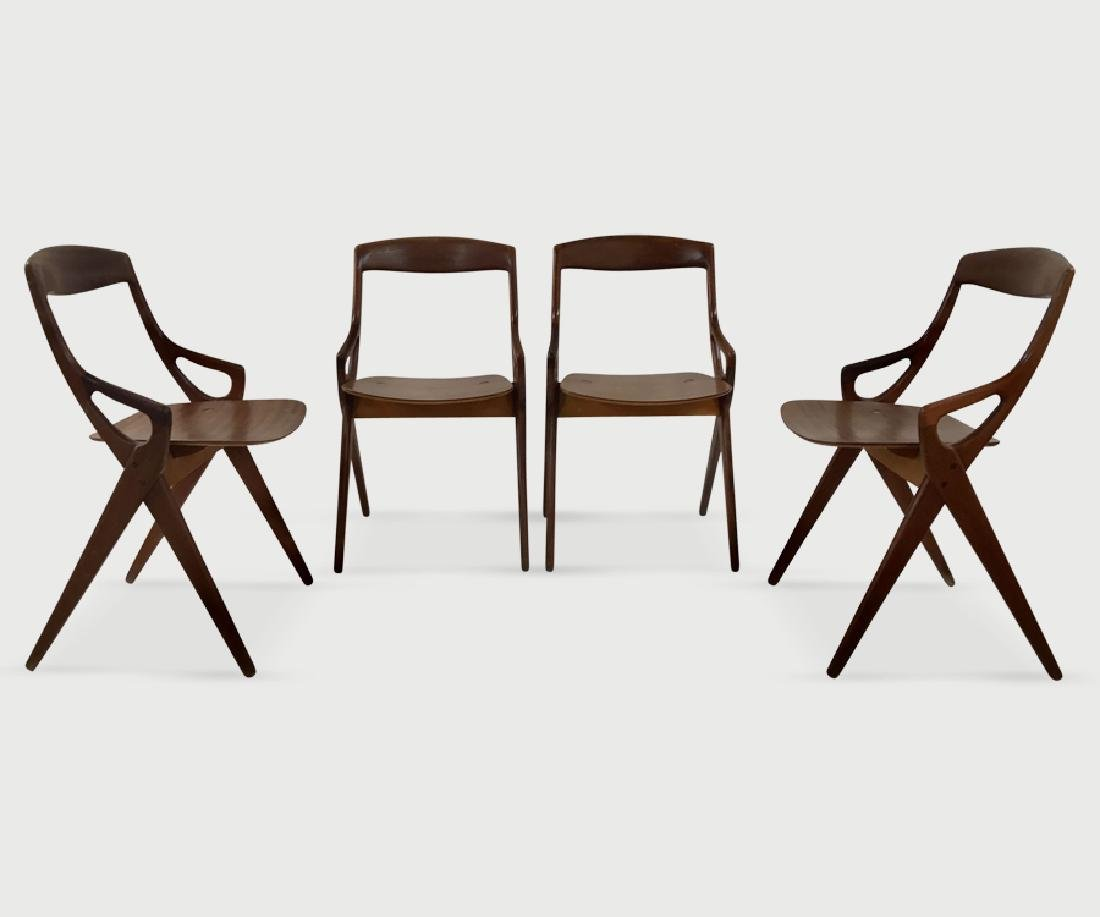 Arne Hovomand Olsen chairs