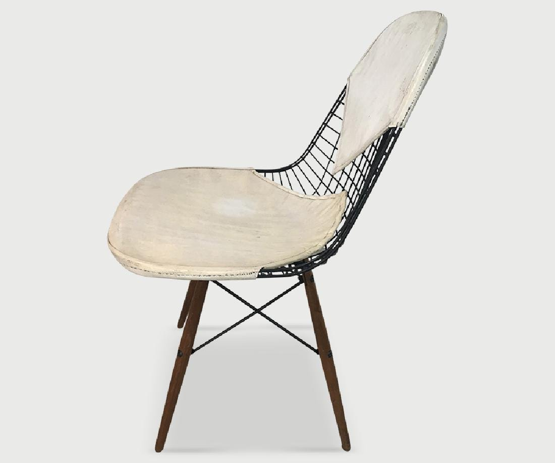Eames Vintage Dowel Leg Chair