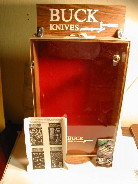 15: 1 SINGLE SIDED BUCK KNIFES DISPLAY CASE I