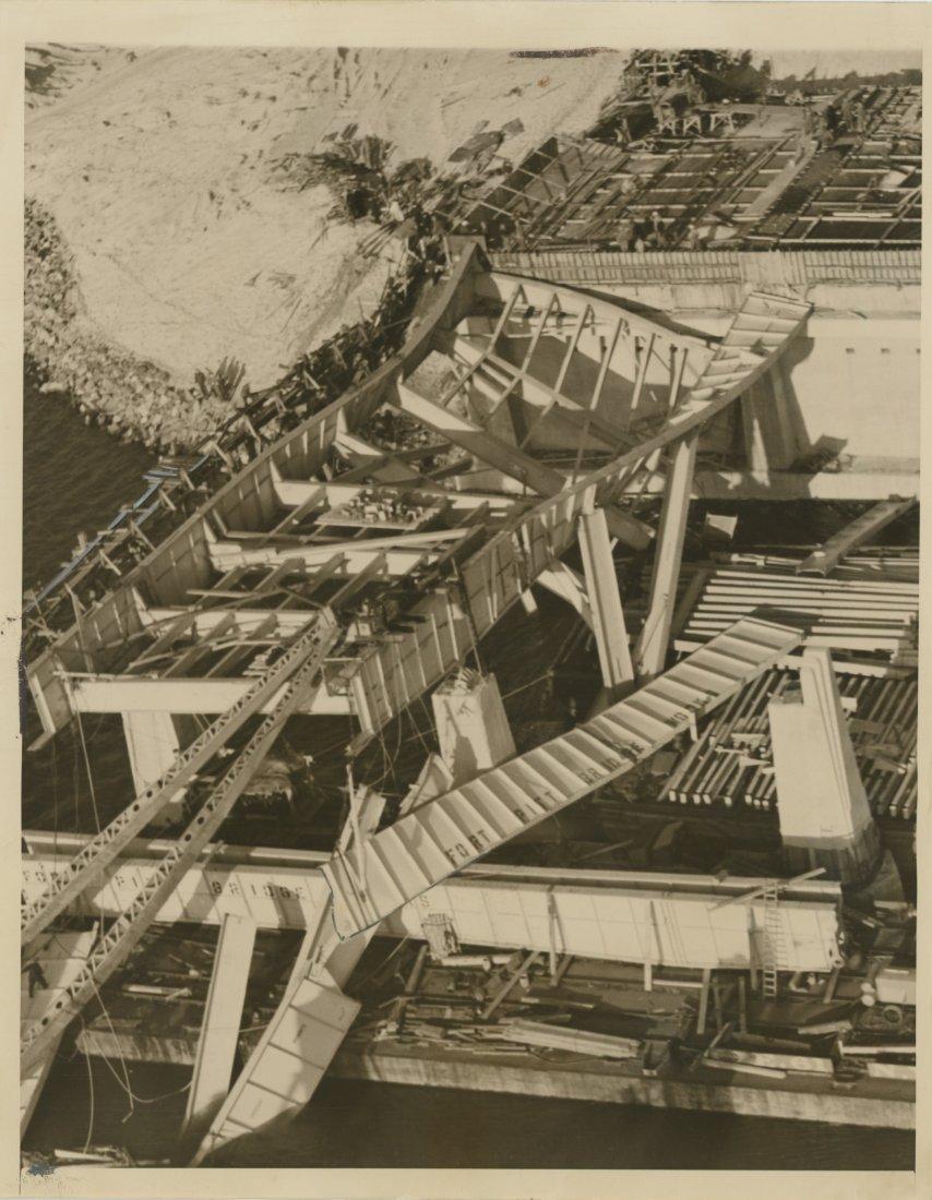 BRIDGE COLLAPSE IN NYC, 1939