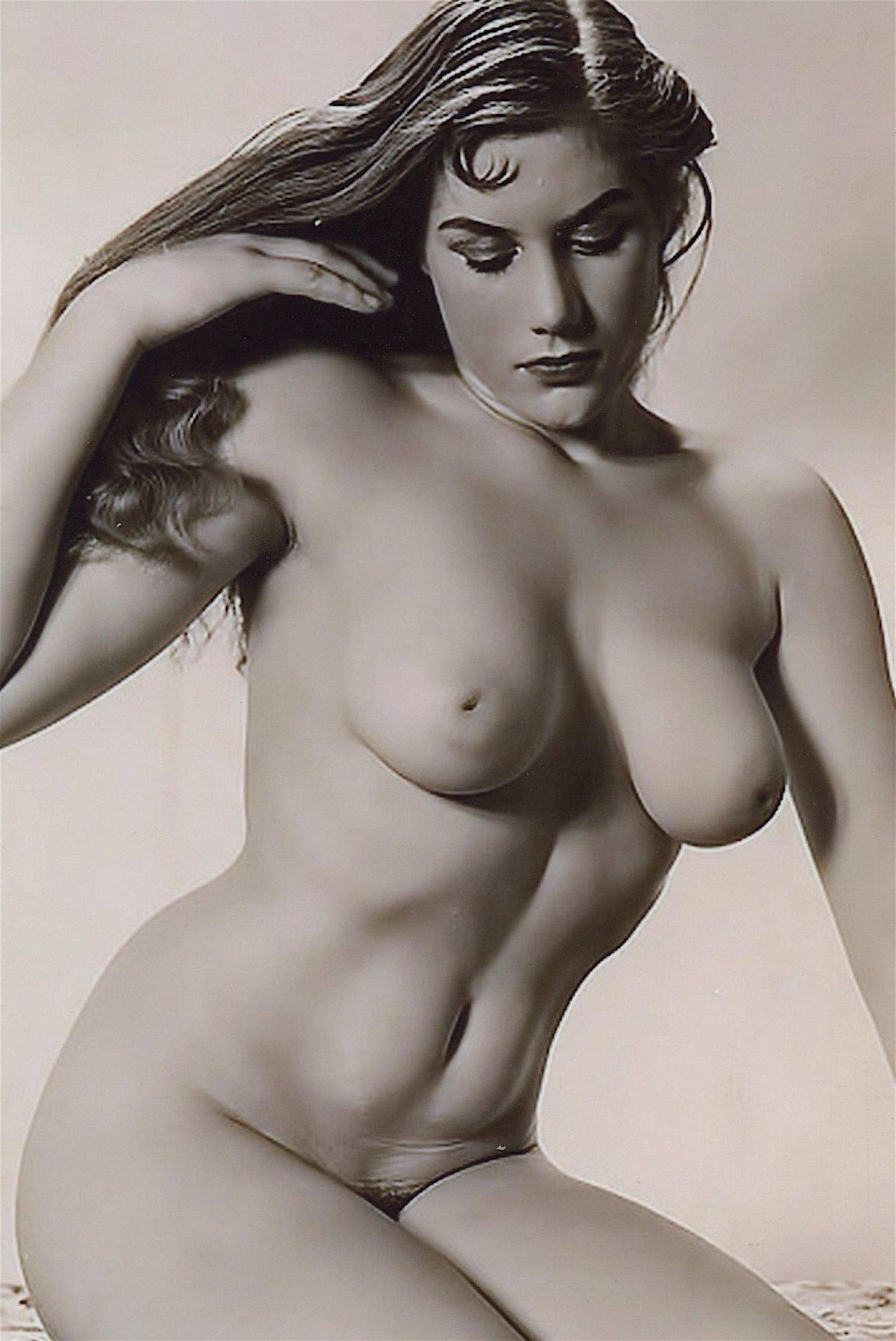 Photo Erotic Nude Women Reproduction in Fujifilm Paper