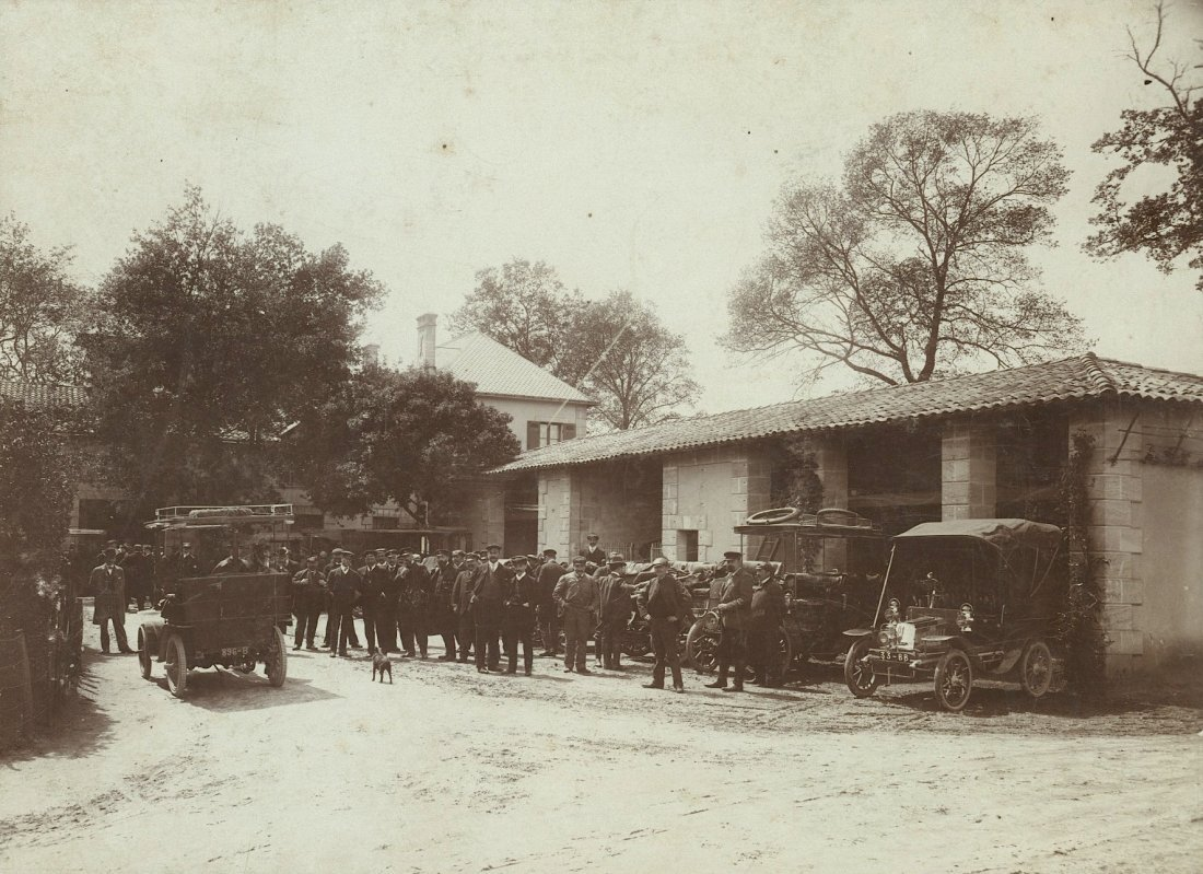Very Rare Sport Cars in a Club, Bordeaux 1904
