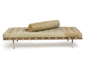 A Knoll ''Barcelona'' daybed