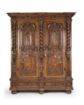 A Continental schrank armoire