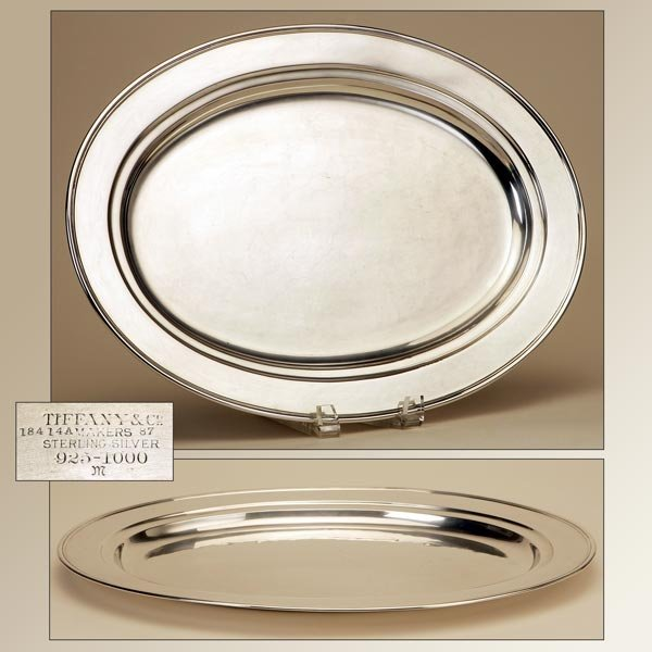 1002: A TIFFANY & CO. STERLING SILVER OVAL TRAY