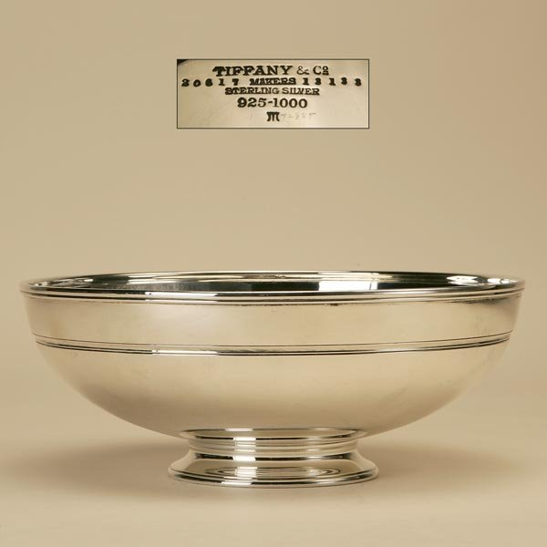 1007: A TIFFANY & CO. STERLING SILVER FRUIT BOWL