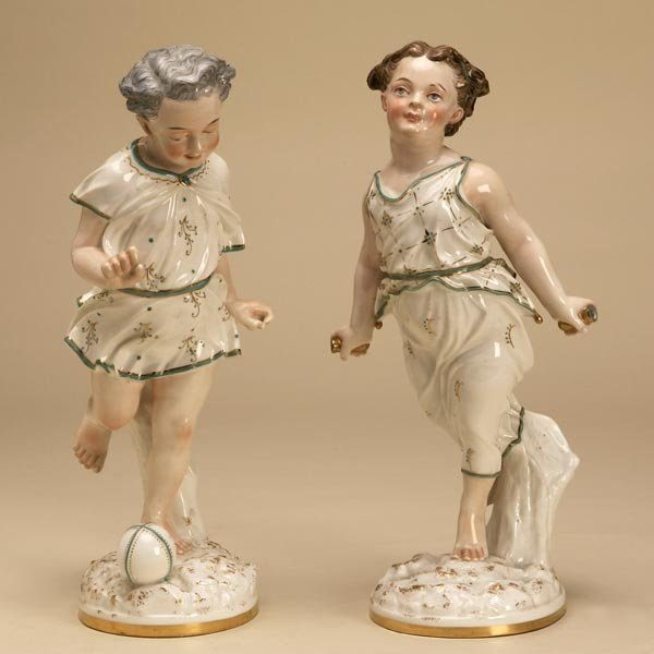 1019: PAIR OF CONTINENTAL PORCELAIN FIGURES OF CHILDREN