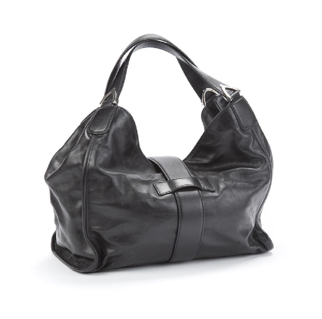 A large Gucci leather stirrup shoulder bag - 2