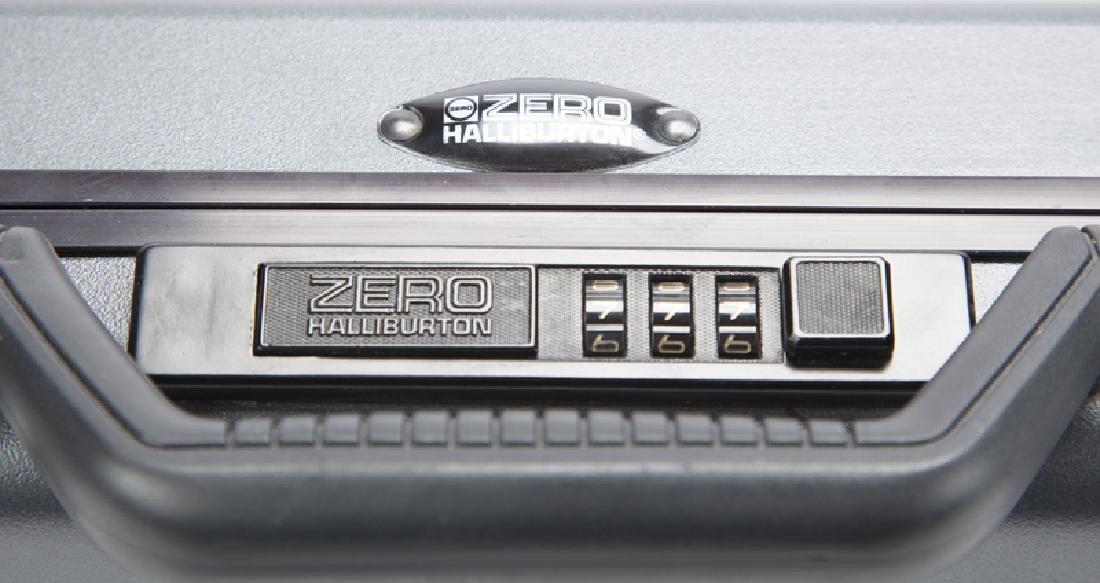A Zero Halliburton laptop case - 4
