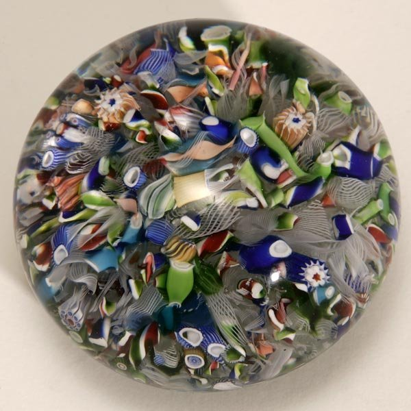 1010: A FRENCH ST. LOUIS MILLEFIORI GLASS PAPERWEIGHT