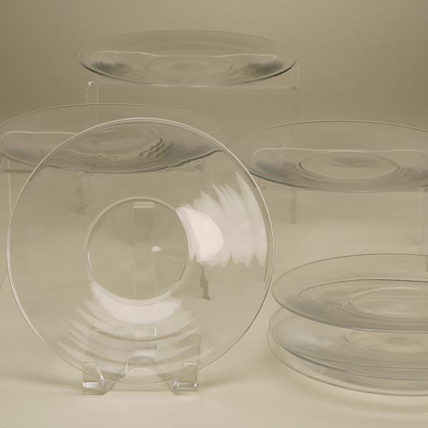 2008: EIGHT STEUBEN CLEAR GLASS DESSERT/SALAD PLATES