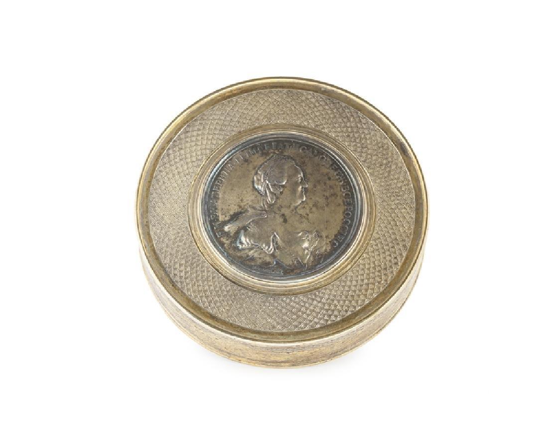 A Russian vermeil medallion box