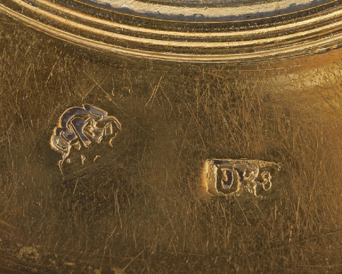 A Russian vermeil medallion box - 6