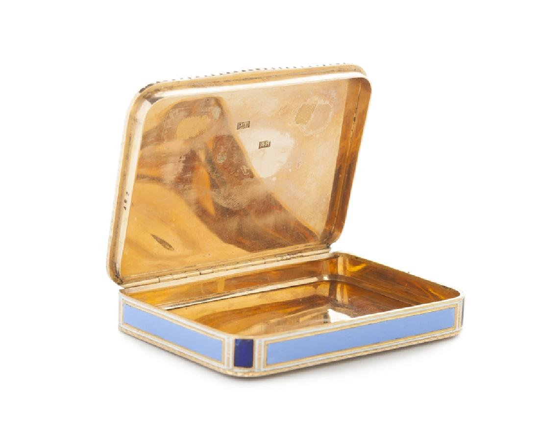 A Russian enameled 18K yellow gold snuff box - 2
