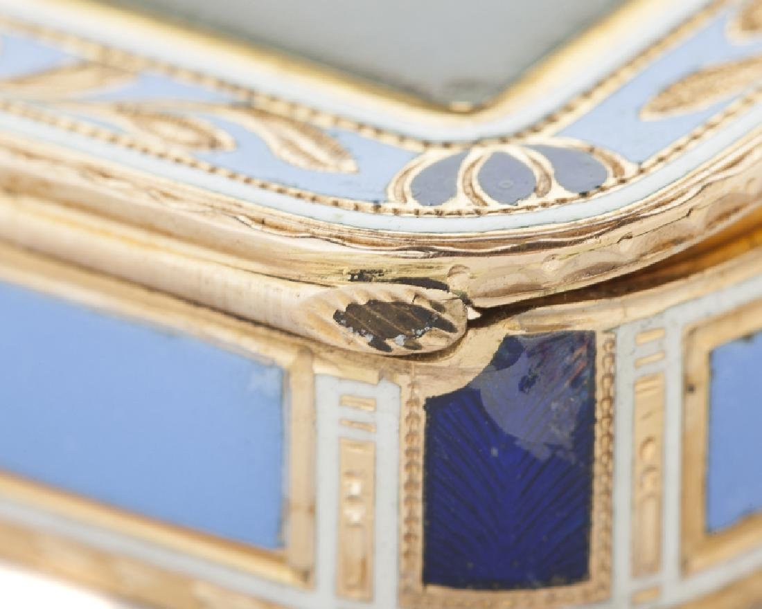 A Russian enameled 18K yellow gold snuff box - 3