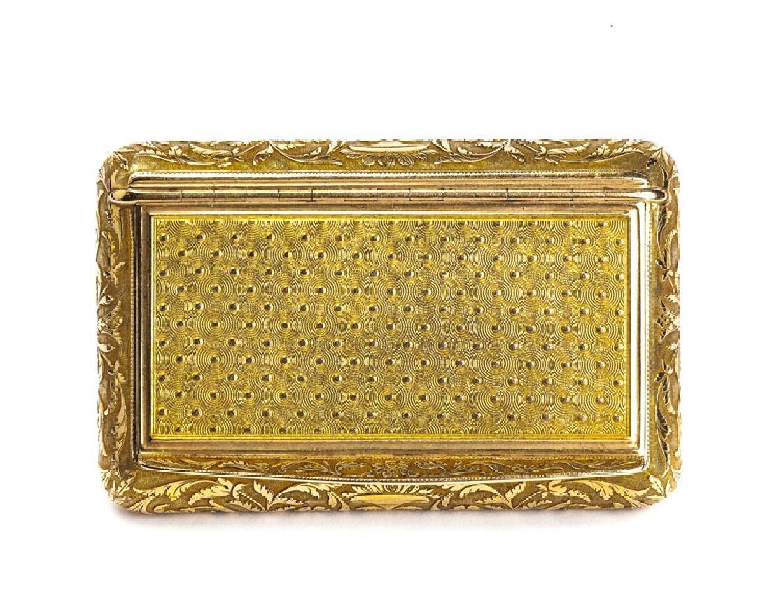 An 18K yellow gold snuffbox