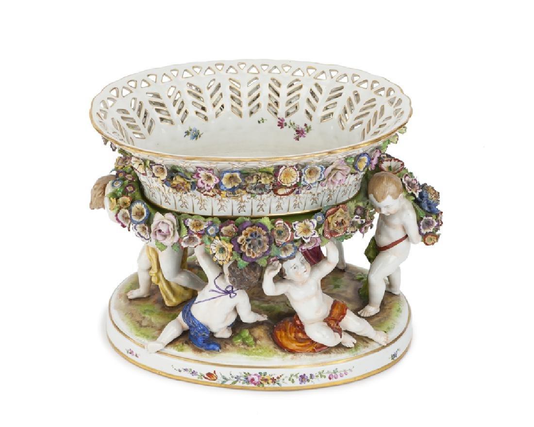 A German porcelain centerpiece - 2