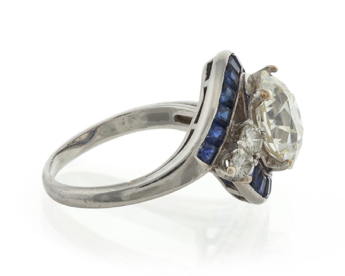 An Art Deco diamond and sapphire ring - 3