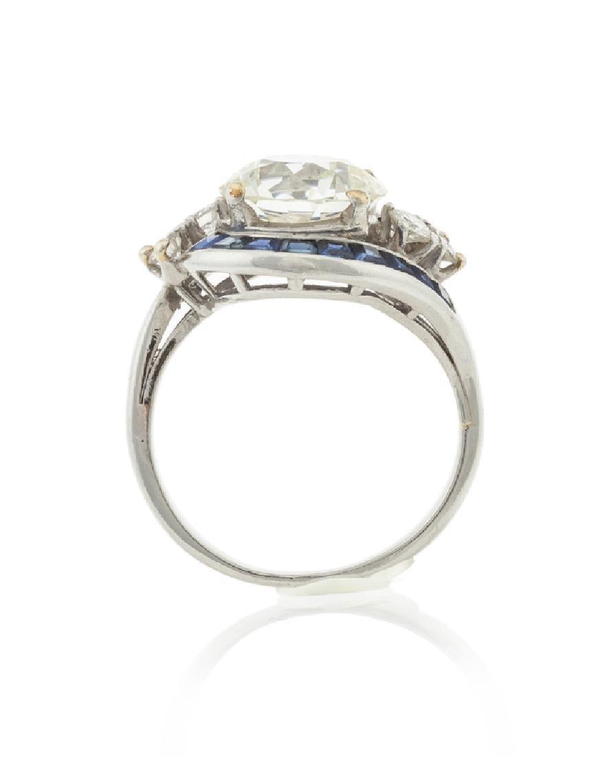 An Art Deco diamond and sapphire ring - 4