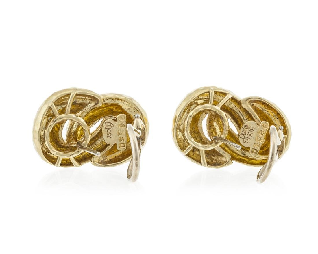 A pair of gold knot ear clips, Henri Dunay - 2