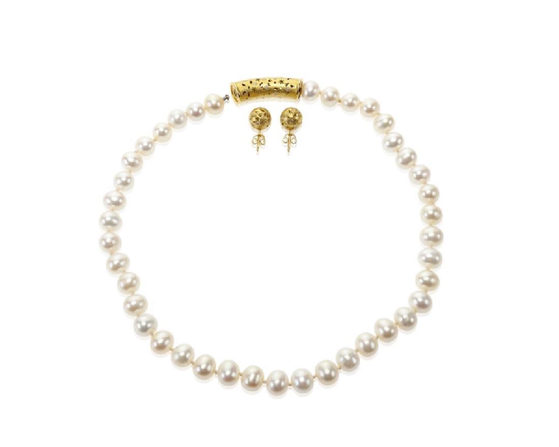 A set of diamond jewelry