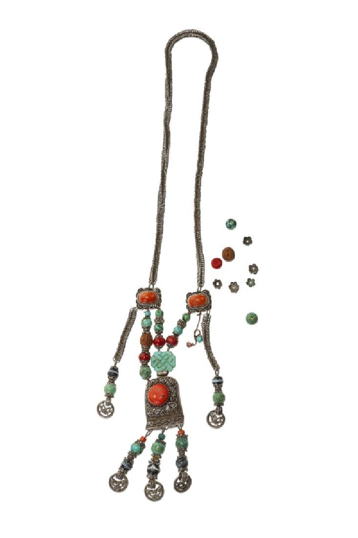 A Chinese gemstone and silver court necklace